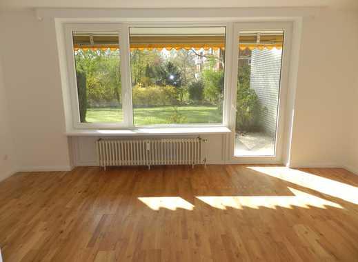 Schöne, geräumige 1,5  Zimmer Wohnung in Hamburg, Alt Osdorf an der Grenze zu Hochkamp