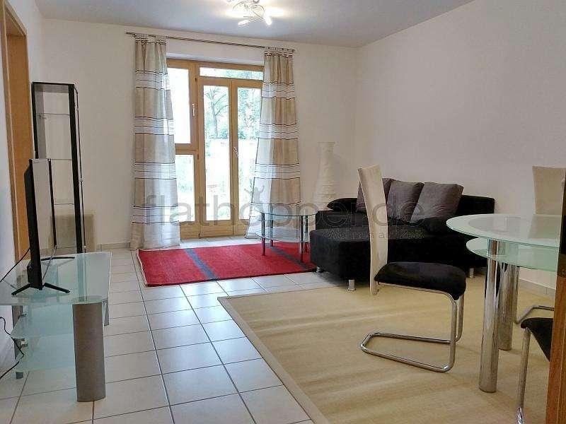 Möblierte 2-Zimmer-Wohnung in Holzkirchen - ruhige Lage, Südseite, Terrasse mit kleinem Garten