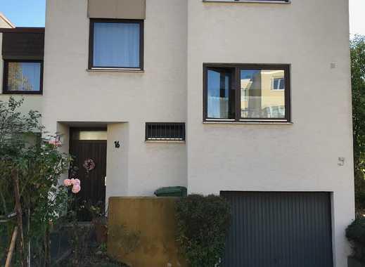 Schönes Haus mit vier Zimmern in Mainz, Hechtsheim