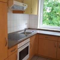 Küche mit Einbauküche