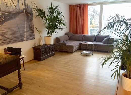 Ruhige und sonnige 3,5-Zimmer-Wohnung mit Balkon und Parkplatz in München - Ottobrunn