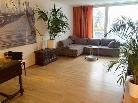 Ruhige und sonnige 3,5-Zimmer-Wohnung mit Balkon und Parkplatz in München - Ottobrunn in Ottobrunn