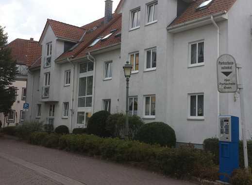 Günstige und gepflegte 2-Zimmer-DG-Wohnung mit Einbauküche im Zentrum von Bückeburg