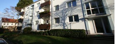Smarte kleine Familie gesucht! Sanierte 3-Zimmer-Wohnung mit Balkon!!