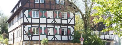 Im denkmalgeschützen Burgmannshof Zentral Hausberge 2,5 Zimmer Dachgeschoß