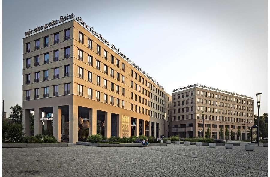Zwinger-Forum vom Postplatz