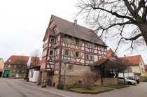 Großzügiges Fachwerkhaus in Oberderdinger Altstadt
