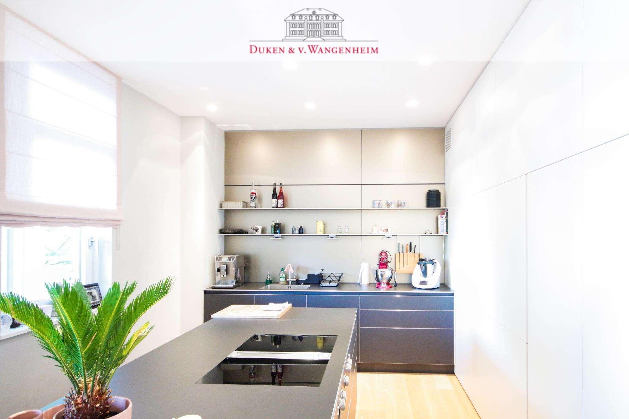 Luxuriöse 5-Zimmer-Wohnung direkt am Englischen Garten und am Eisbach gelegen in Lehel (München)