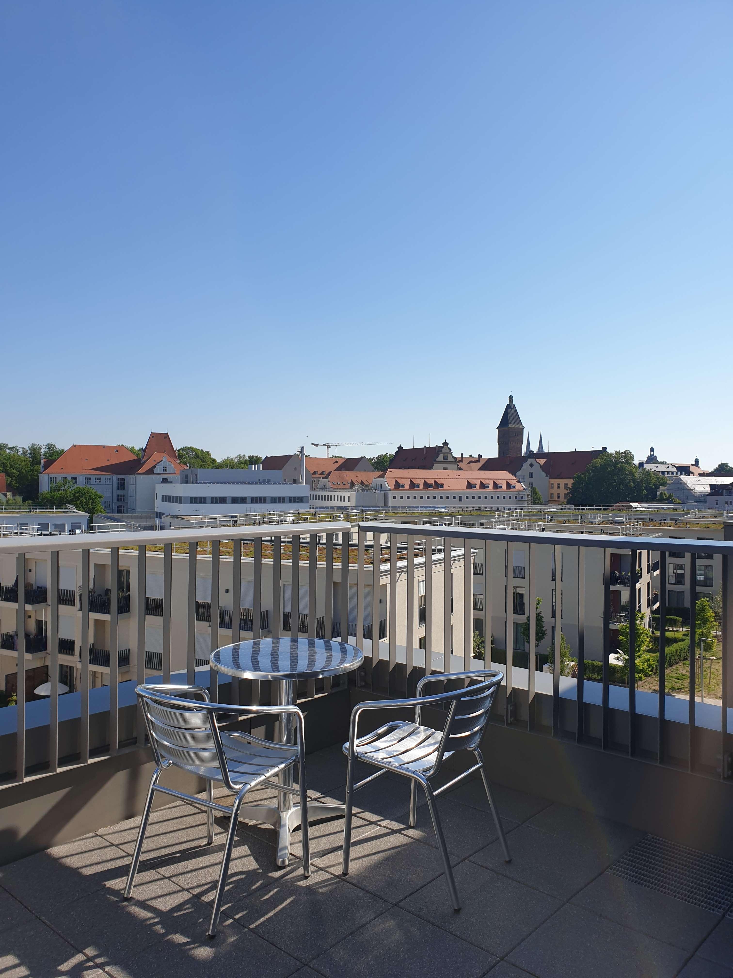 Helle 3-Zi.-Wohnung mit Dachterrasse im inneren Westen! in
