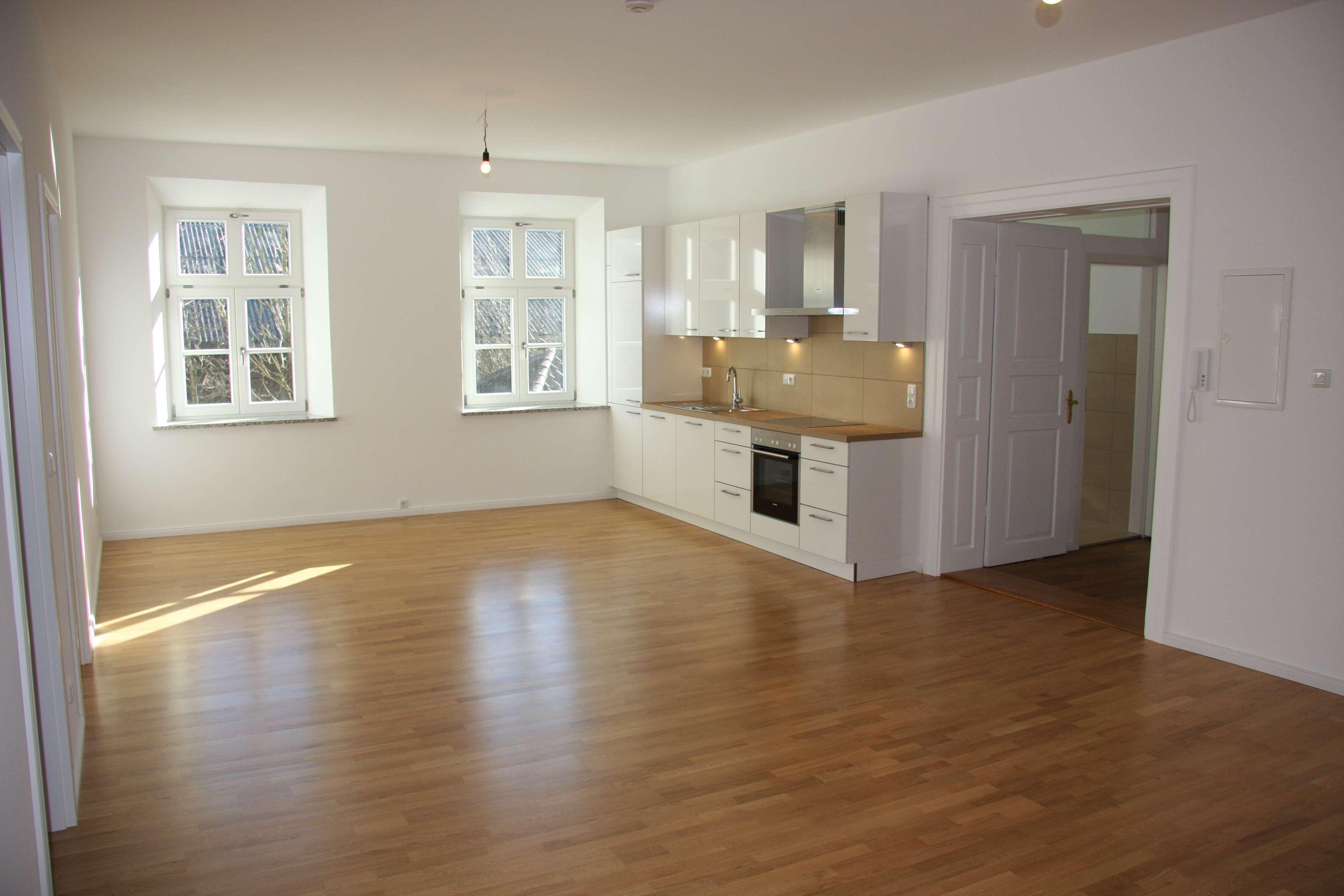 Erstbezug nach Sanierung mit EBK: schöne 3-Zimmer-Wohnung in Griesstätt in