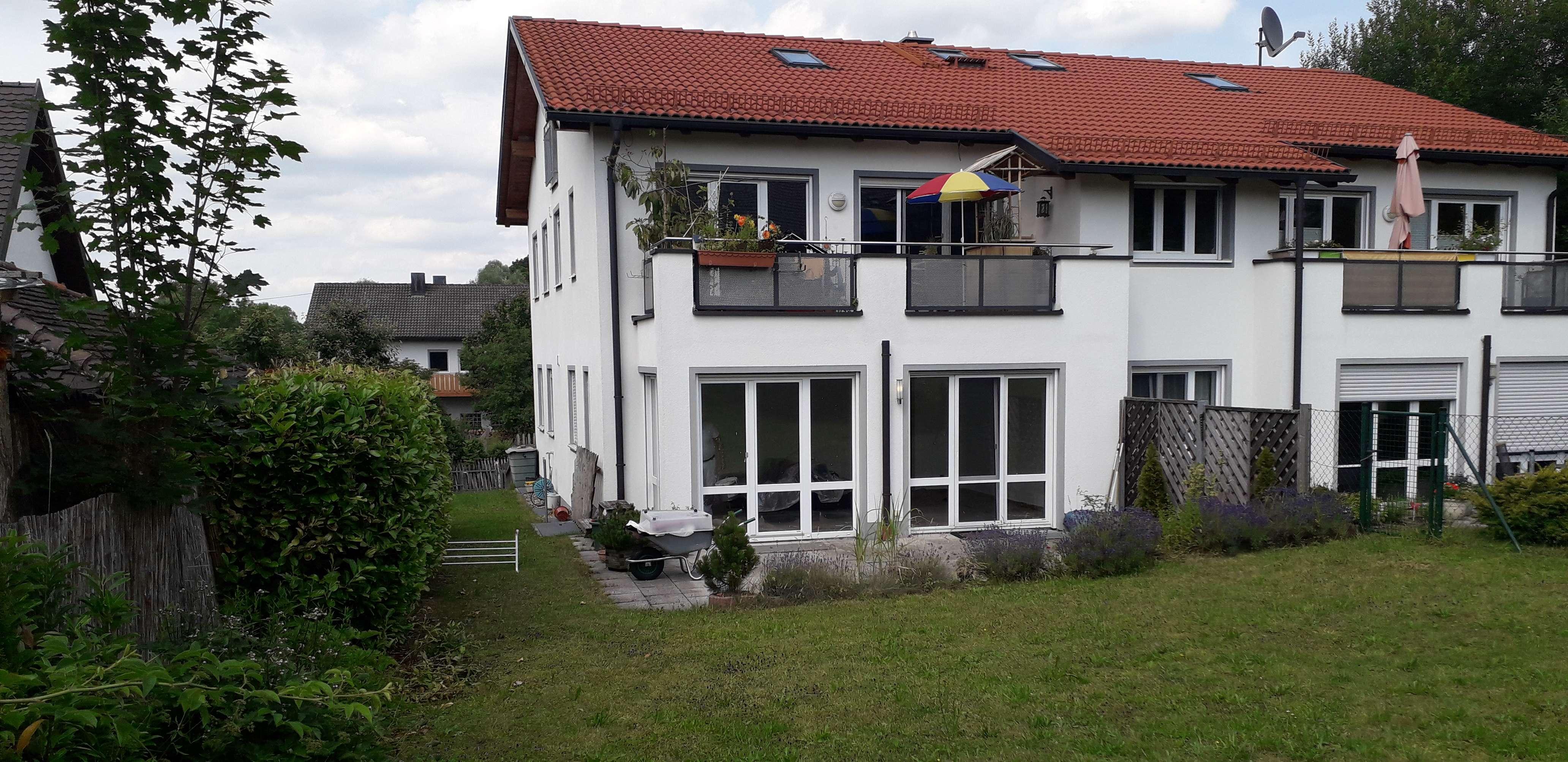 Moderne 3-Zimmer- Wohnung mit voll ausgebautem Souterain und eigenem Gartenanteil in Türkenfeld