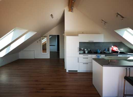 2 Zimmer Wohnung in Stammheim - direkte Nähe zur U-Bahn mit Gästetoilette, Balkon und TG