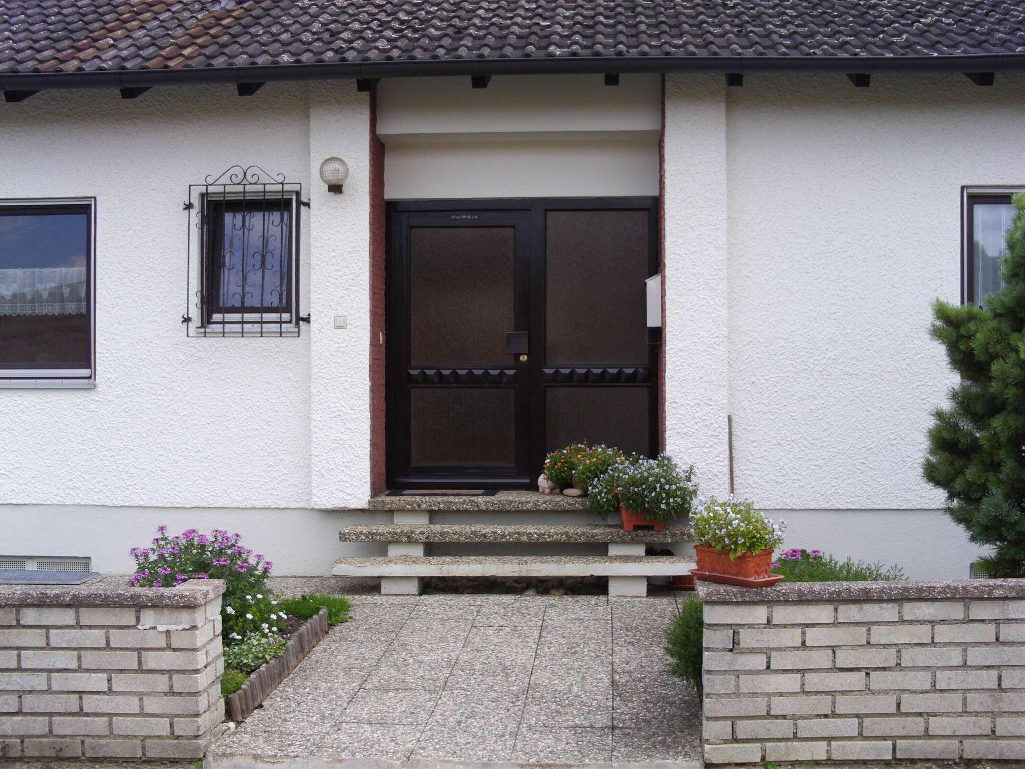 Sonnige 4,5 Zimmer-Gartenwohnung in Mengkofen/Kleinweichshofen von privat in