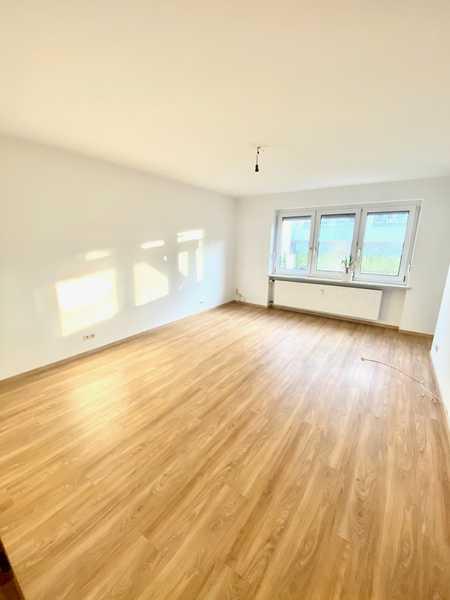 Erstbezug nach Sanierung mit Terrasse: ansprechende 3-Zimmer-Wohnung in Neuötting in Neuötting