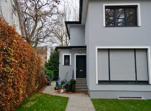 Erstbezug nach Sanierung: Wohnung mit EBK in schönem Stadthaus im Zylinderviertel