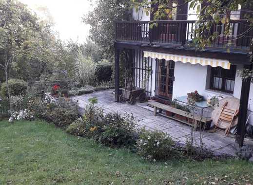 Tegernsee, Seeblick: EG-Wohnung mit exklusiver Nutzung großen Gartens