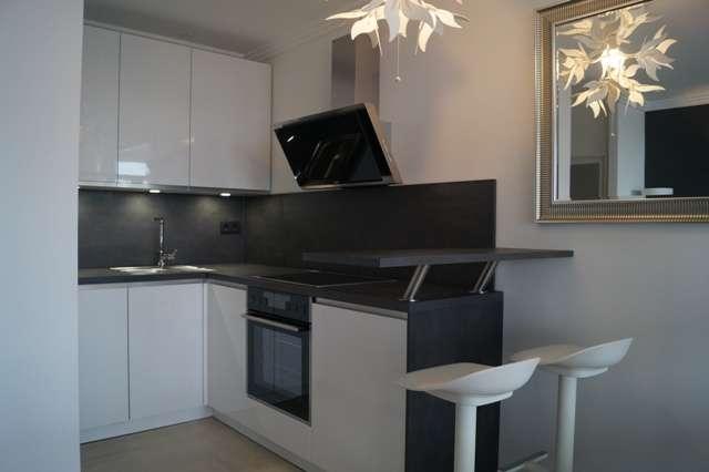 living smart - Stilvoll möbliertes Appartement mit Balkon und grandioser Aussicht in Bogenhausen (München)