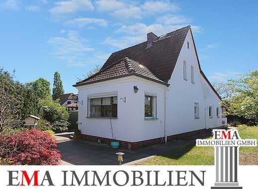 Großes Einfamilienhaus mit Keller und Wintergarten -RESERVIERT-