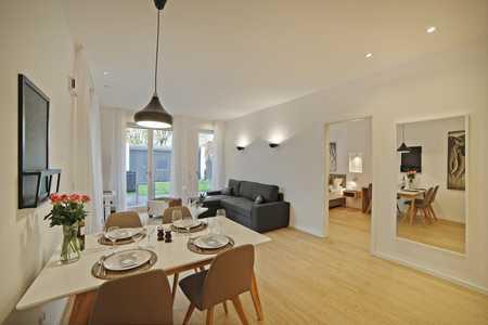 Exklusiv möblierte, ruhig gelegene 2 Zimmerwohnung mit Gartennutzung - Schwabing - ab sofort in Schwabing (München)