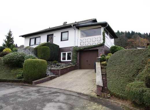 Gepflegtes Einfamilienhaus mit Garage und schönem Garten in landschaftlich schöner Lage von Wi