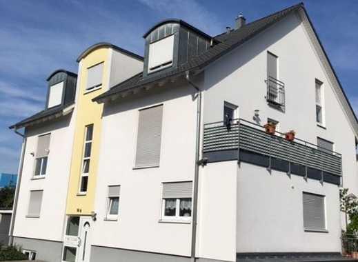 Attraktive 4-Zimmer-Maisonette-Wohnung mit 2 Balkon in Groß-Gerau