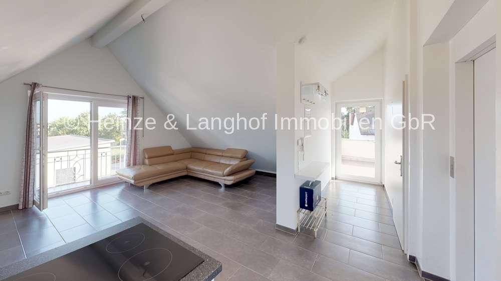 Mit dem Lift direkt in die Wohnung mit Balkon, EBK und Dachterrasse in Veitsbronn