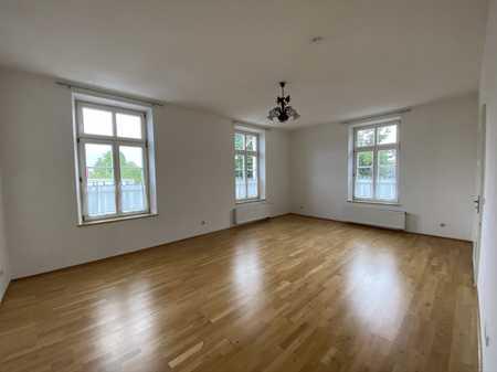 Schicke, helle Wohnung mit Küche, sehr zentral gelegen in Simbach am Inn
