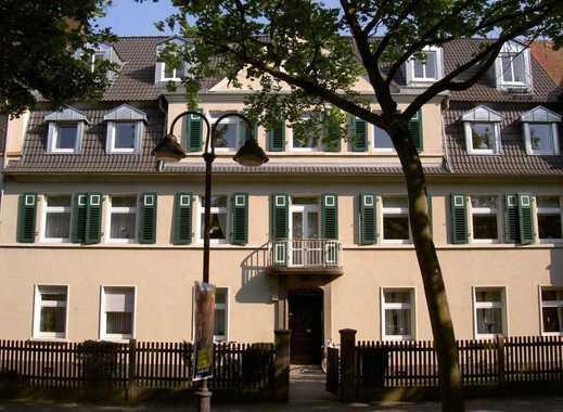 Schöne Altbauwohnung mit kleinem Gartenteil in der Oberstadt