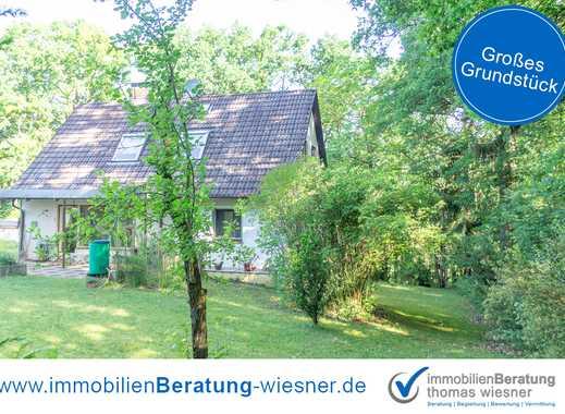 ✓ Einfamilienhaus mit großem Garten