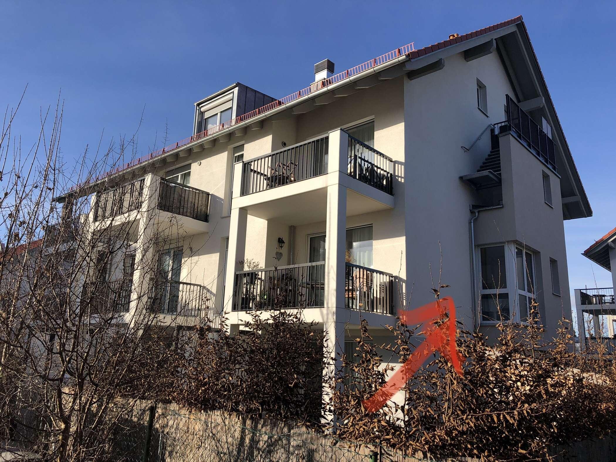 Helle, ruhige, neuwertige 2 Zimmer Wohnung mit Balkon Parsdorf / Vaterstetten  in