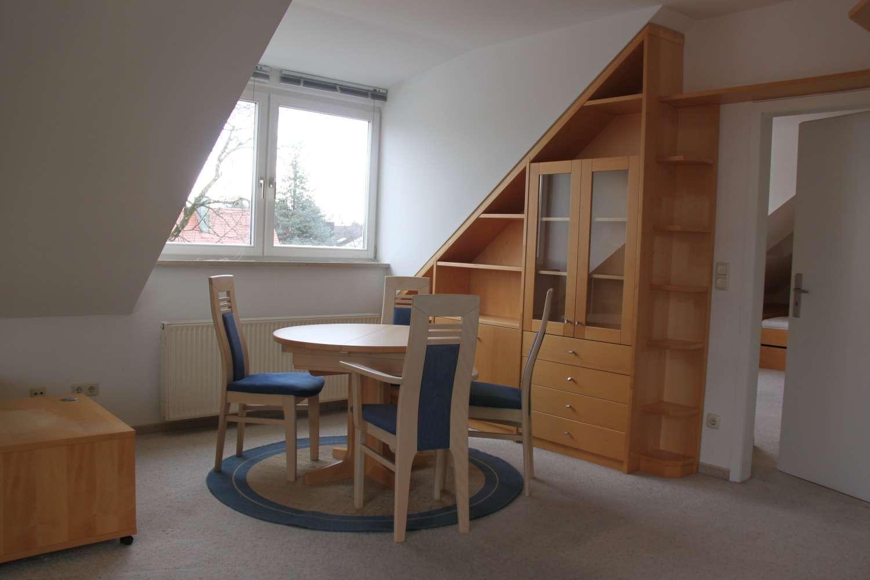 Helle 2-Zimmer DG-Wohnung in ruhiger Lage möbliert kurzfristig zu vermieten in Hadern (München)