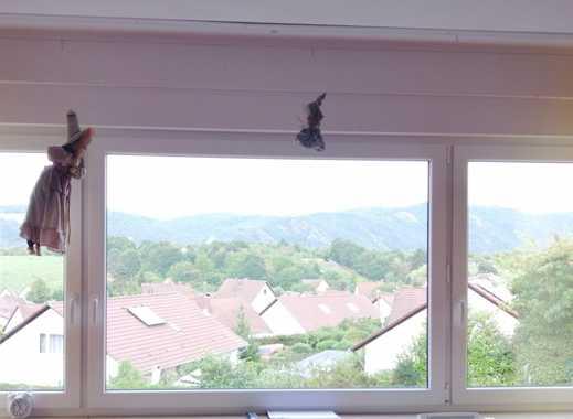 Geräumige und helle 4-Zimmer-Wohnung mit Weitblick!