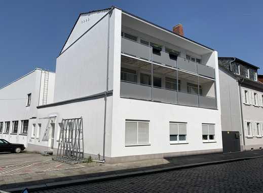 Sanierte 3-Zimmer-Wohnung mit Balkon und Einbauküche in Worms