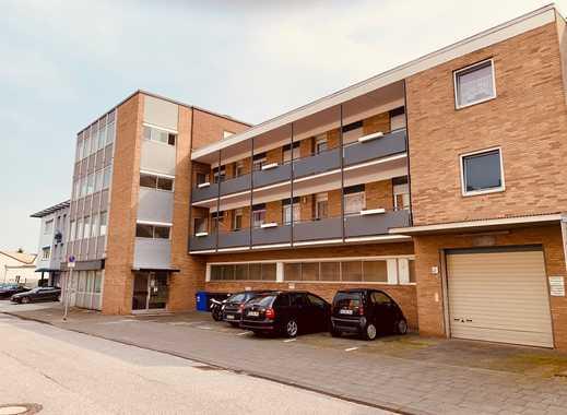 Große 2-Zimmer-Wohnung in solidem Mehrfamilienhaus in Eicken
