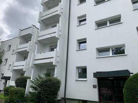 Gemütliche, gepflegte 3-Zimmer-Wohnung mit zwei Balkonen in zentraler Lage in Kumpfmühl-Ziegetsdorf-Neuprüll (Regensburg)