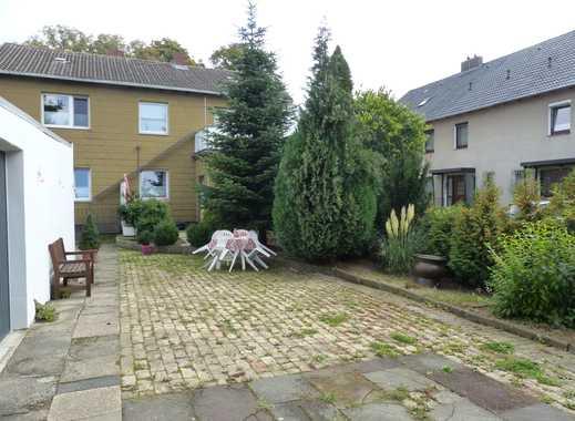 Erdgeschoßwohnung mit Terrasse, Garten, Garage und EBK in Salzgitter-Thiede