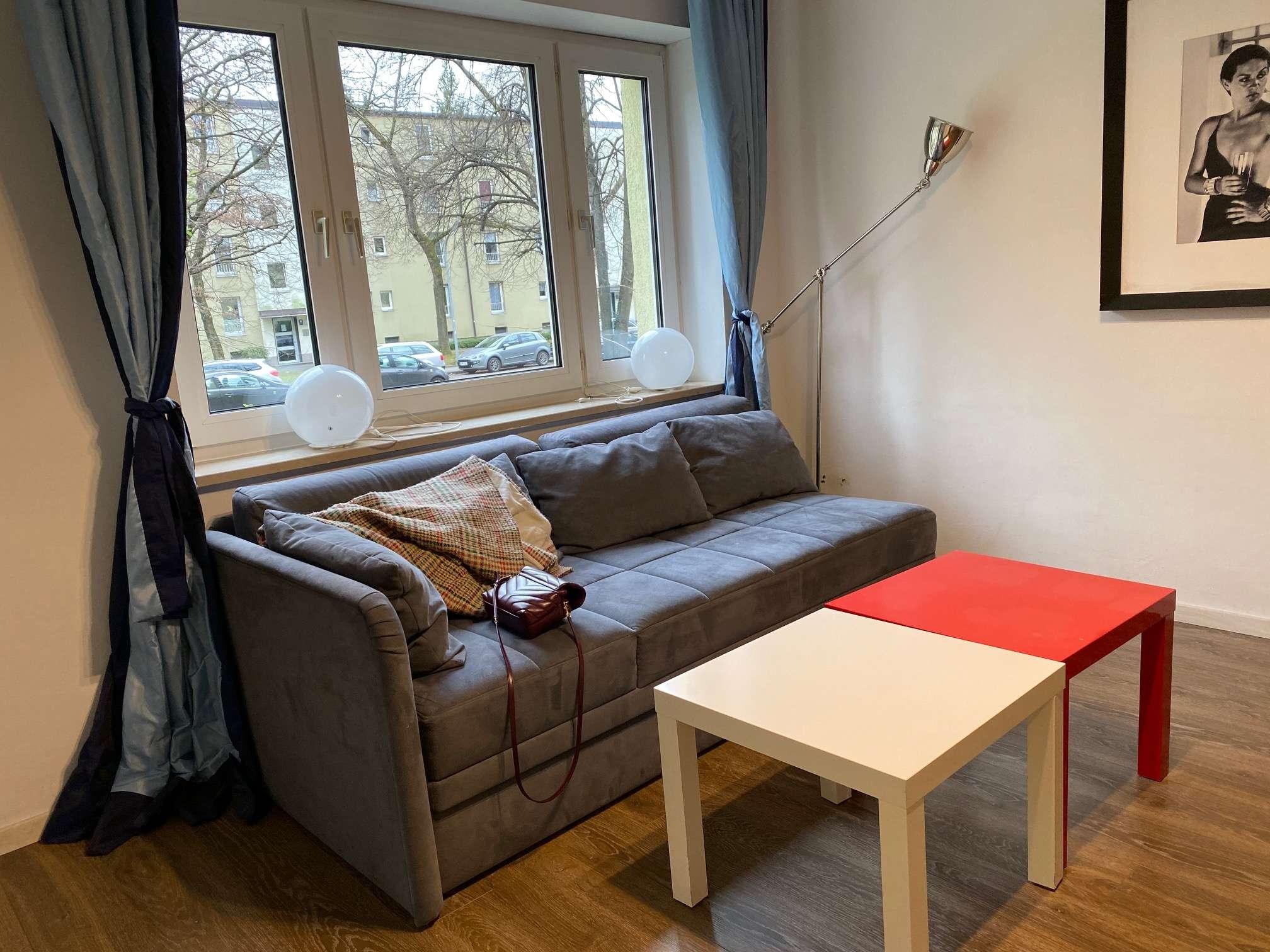 Sanierte  und möbliertes 2-Zimmer Appartemnt mit Balkon in Bogenhausen, München U Bahn Böhmerwaldpl. in Bogenhausen (München)