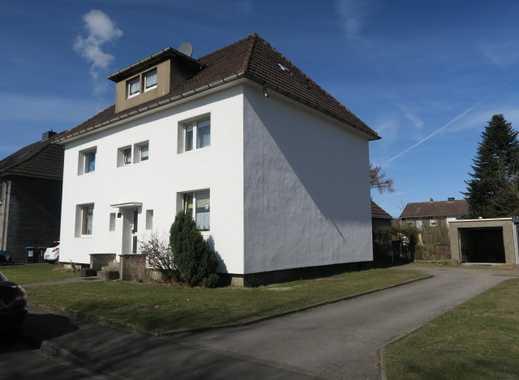 Freistehendes EFH/2Fam Haus mit Garage und Carport in ruhiger Lage