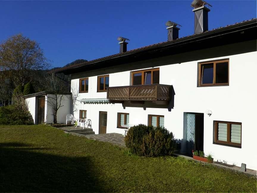 Schöne ruhig gelegene 2-Zimmer Ferienwohnung in unserem Landhaus direkt am Walchsee zu vermieten in Oberaudorf