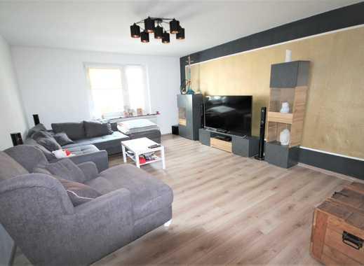 Helle und moderne 2,5-Zimmer Wohnung mit Balkon