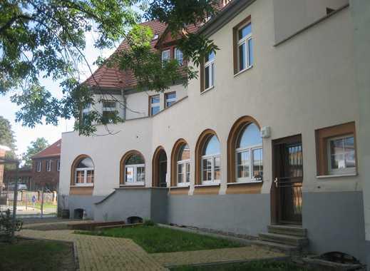 Attraktives Mehrfamilienhaus in Halle mit Balkonen und Terrassen