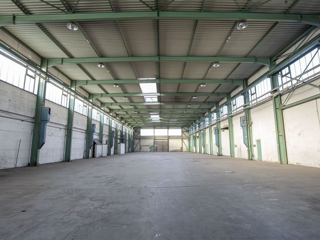 Lager-/Produktionshalle
