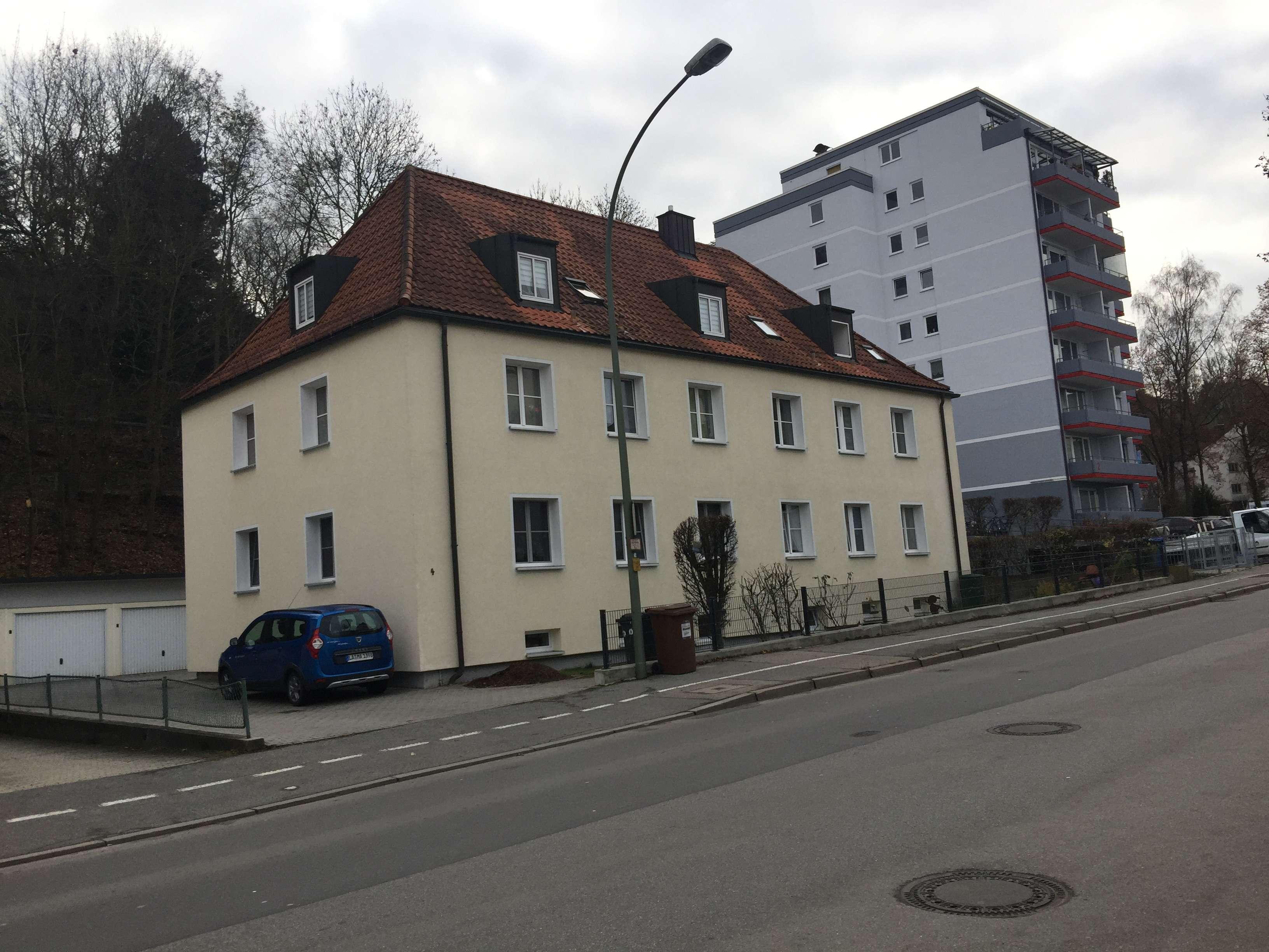 Gepflegte 3-Zimmer-Wohnung in 6 Parteien Haus in Landshut in Peter u. Paul (Landshut)