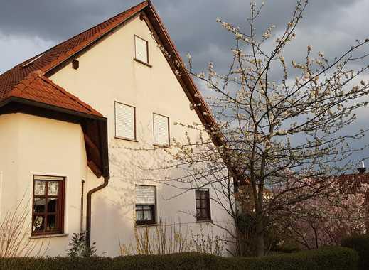 Exklusives Haus mit sieben Zimmern und 2-Zimmer ELW in 97084 Würzburg-Heuchelhof