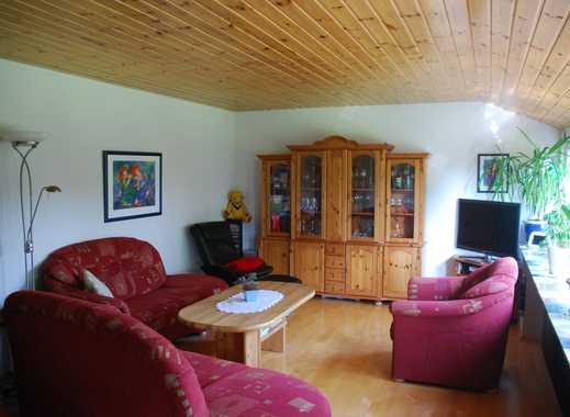 Günstige, gepflegte 6-Zimmer-Wohnung mit Balkon und EBK in Tarmstedt