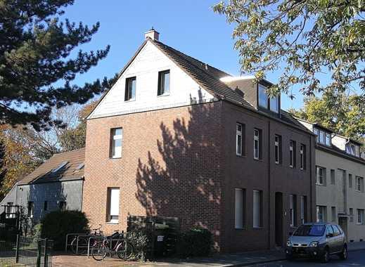 Mehrparteiendoppelhaus mit 13 Wohneinheiten in Ratingen Lintorf