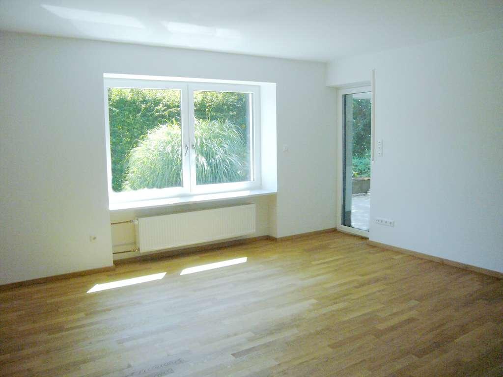 Geräumige 4-Zimmer-Wohnung mit großer Terrasse und Garten