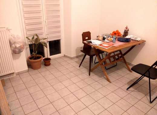 Attraktiv Schöne 2 Zimmer Wohnung, Super Zentrale Lage, Großer Balkon, 5 Min Zum ÖPNV