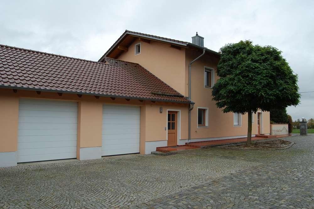 Erstbezug nach Renovierung. Großzüg. 3 Zi.-EG-Whg ca.105 m² mit traumhaften Ausblick in Steinach. in