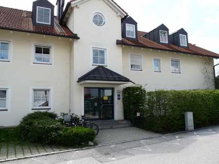 Großzügige, gepflegte 3-Zimmer-DG-Wohnung mit Balkon in Wolfratshausen in Wolfratshausen